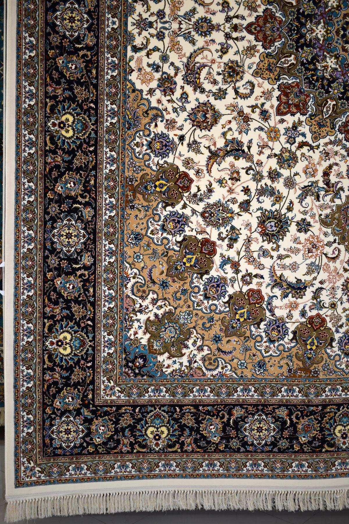 قیمت فرش ۷۰۰ شانه طرح اصفهان