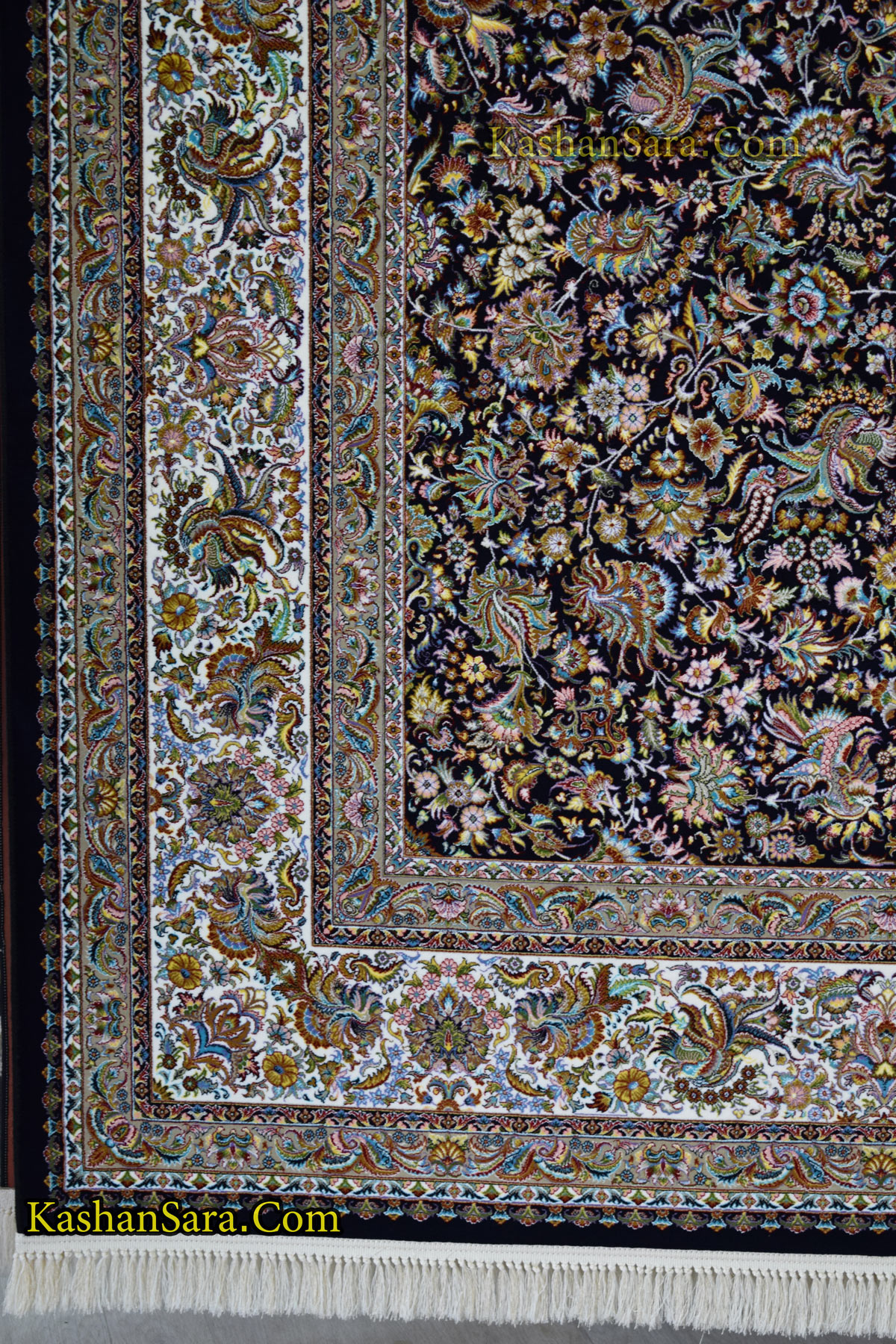 فرش ۱۰۰۰ شانه نقشه افشان گل و مرغ