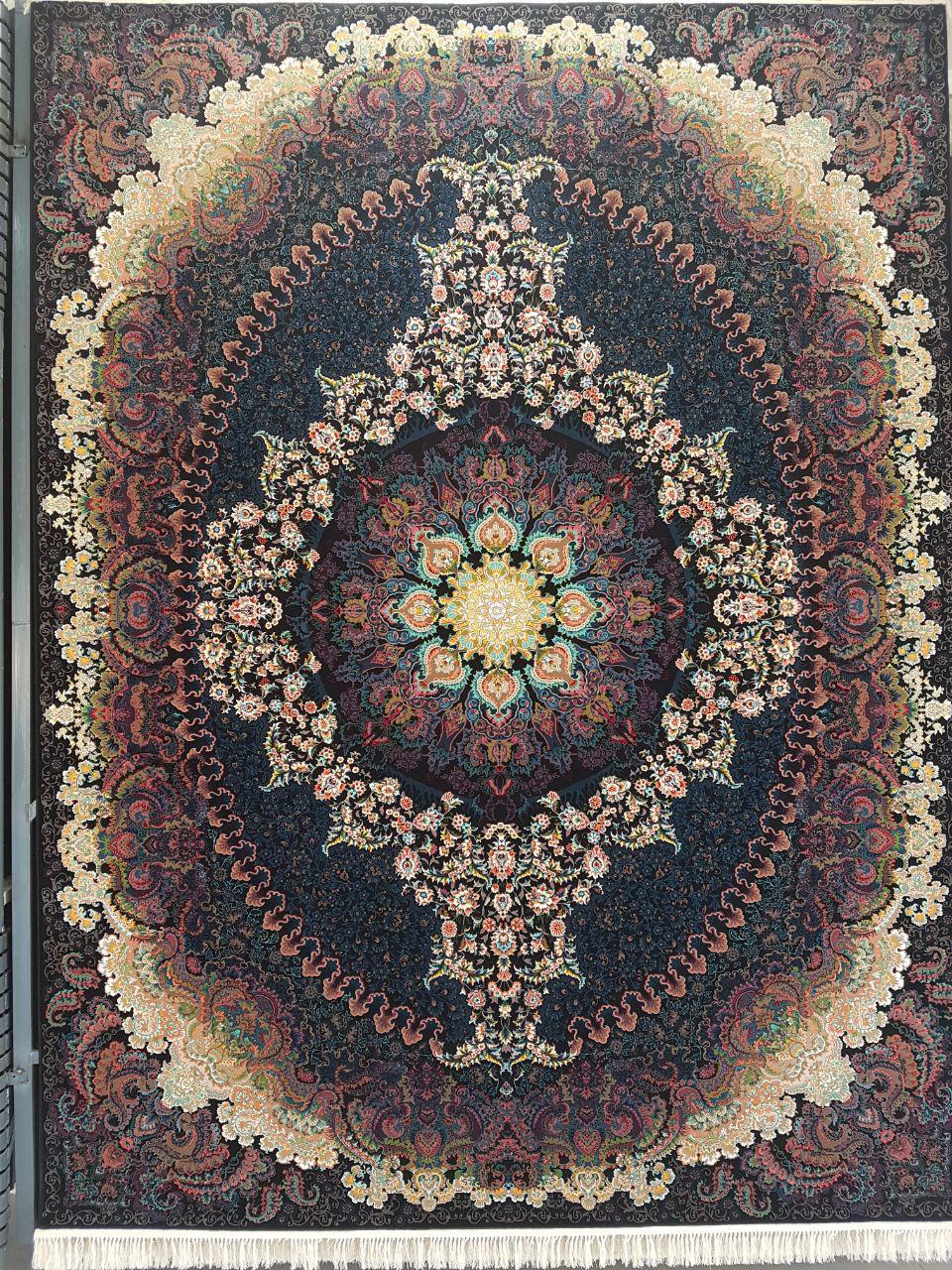 فرش کاشان نقشه آذرنوش ۷۰۰ شانه تراکم ۲۵۵۰